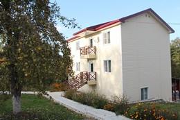 Вид гостевого дома Озерки