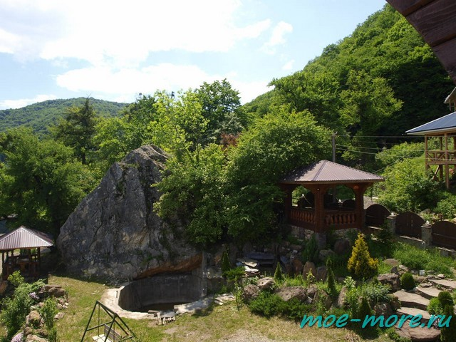 Гостевой дом У горы. Каменномостский.