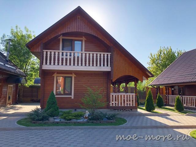 Уютный дворик в Даховской